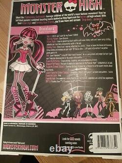 Boxed Draculaura Monster High Doll VERY RARE 2009 FREE POSTAGE
